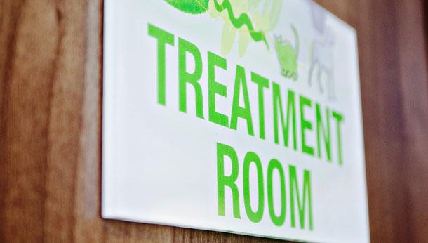 Treatment room sign