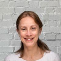 Dr Marieke De Vries